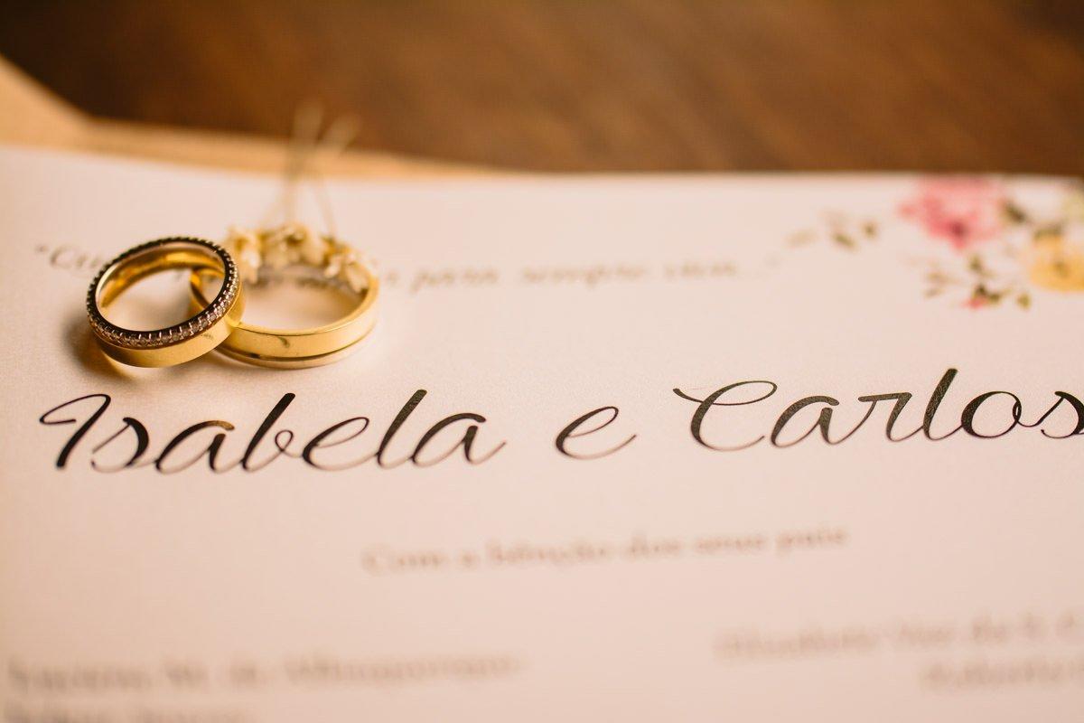 alianças e convite de casamento moderno colorido bh mg