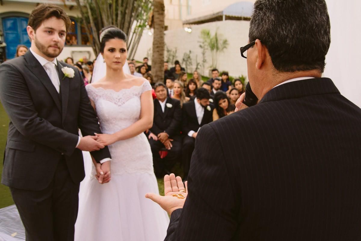 fotografia de casamento de dia em belo horizonte mg detalhe alianças