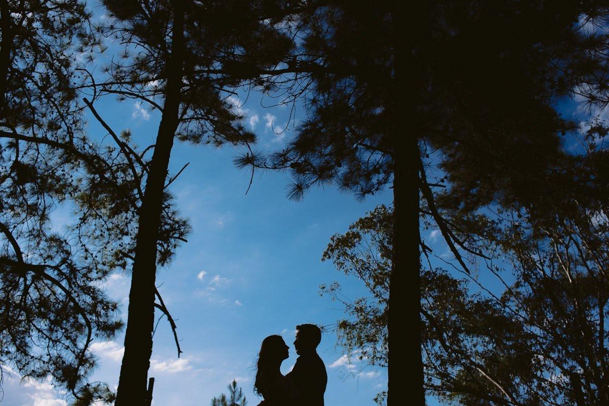 silhueta de casal no ensaio pré casamento belo horizonte