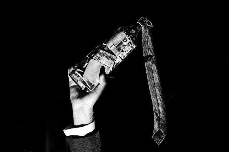 brincadeira da gravata garrafa dinheiro casamento