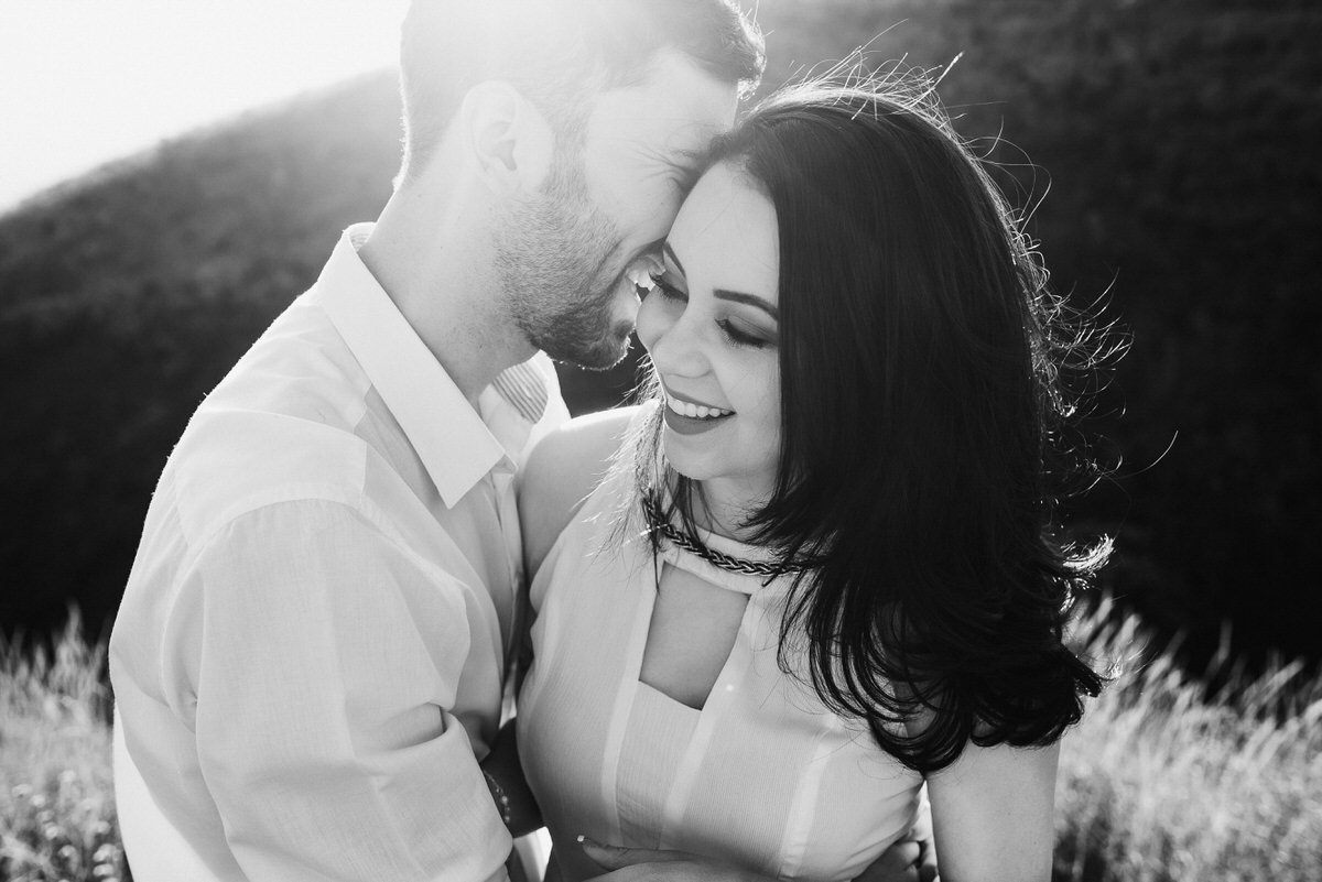 ensaio pré-wedding no pôr-do-sol em belo horizonte, fotógrafos de casamento bh
